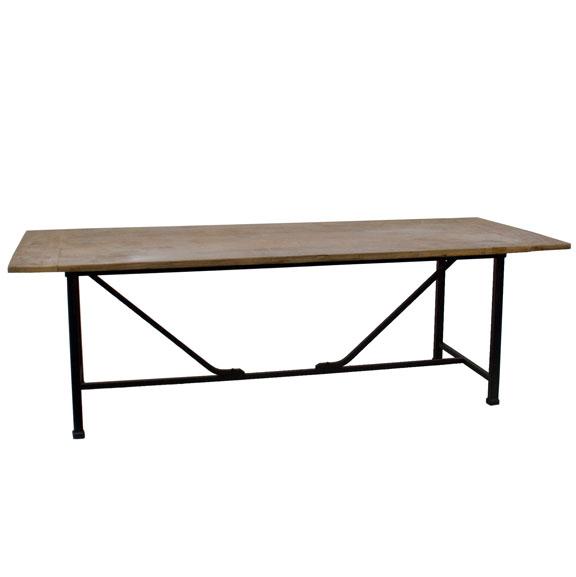 Stalen tafel met teakhouten blad